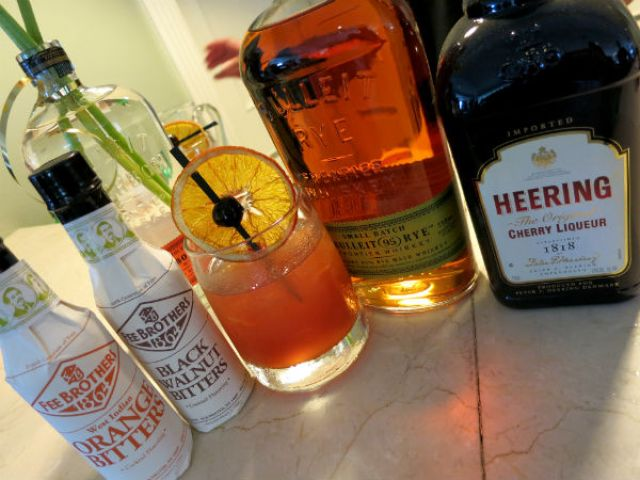 Bulleit New Fashioned ingredients2