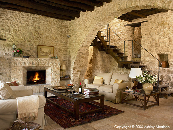 The living room in L'Arco villa.