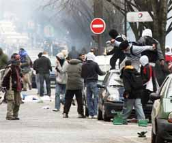 immigrants rioting in France