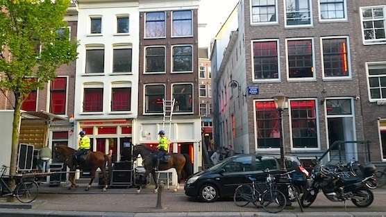 Amsterdam Red Light District - FAQ - Is the Red Light District safe
