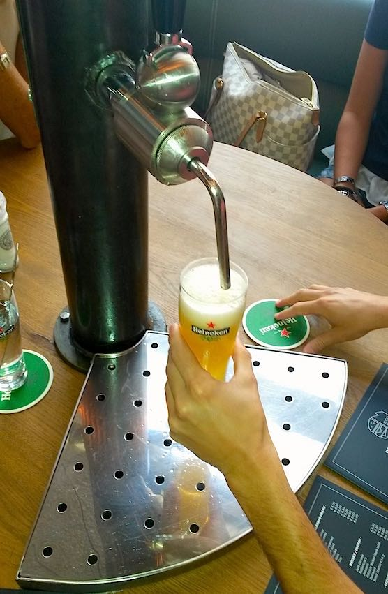 Order your personal beer tap at restaurant Burgerfabriek in Amsterdam.