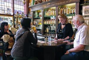 Cafe In De Olofspoort Inside