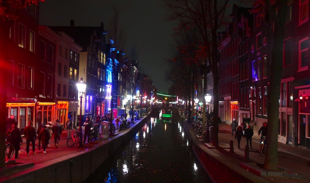 red light district rules amsterdam