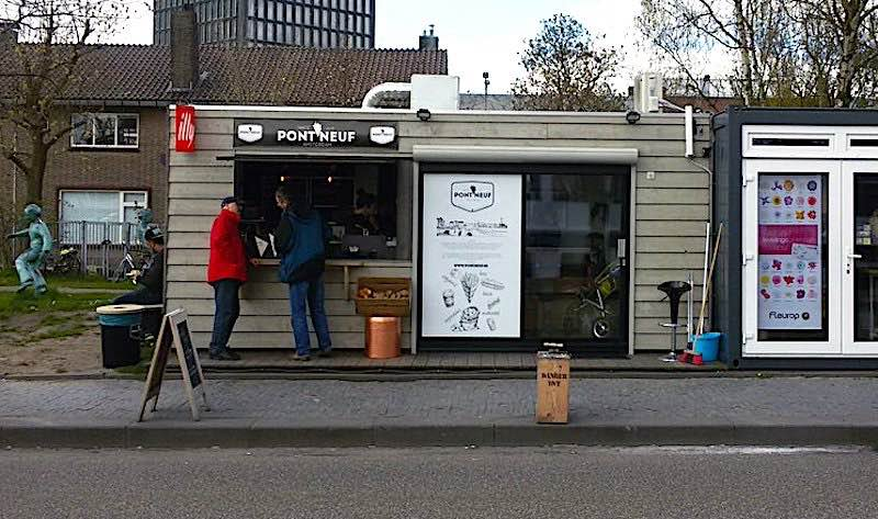 Best fries in Amsterdam at Pont Neuf