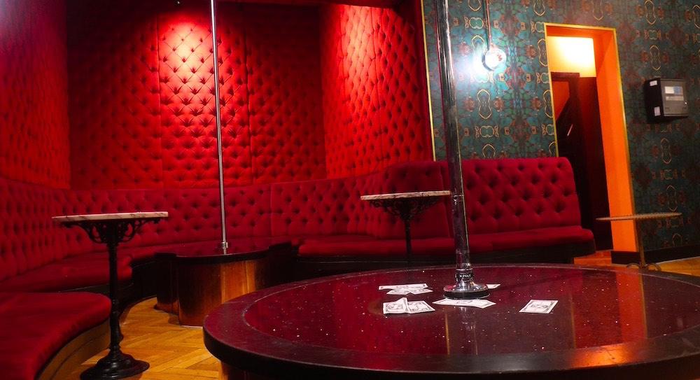 inside club Bonton amsterdam