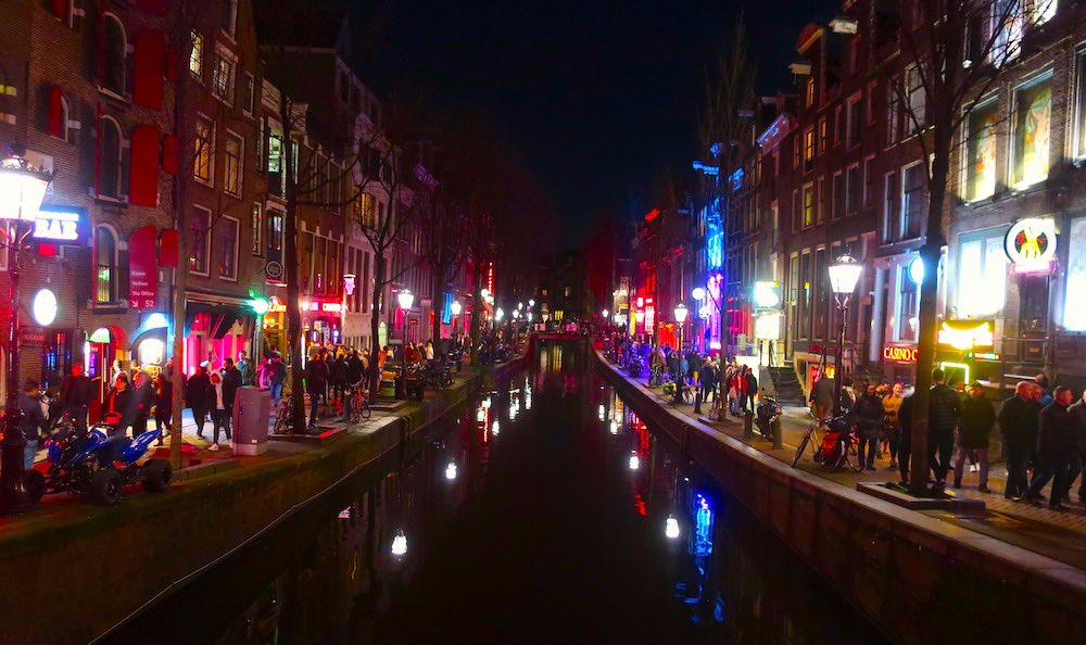 Must see in Amsterdam Red Light District experiences