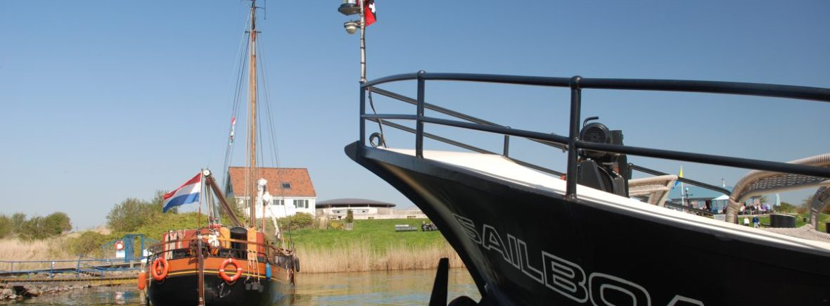 sail with amsterdam boat excursion and tourist ferry to amsterdam castle muiderslot and fortress island pampus, check calendar for activities