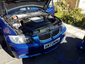 BMW 330d Hydrogen clean by AMTuning
