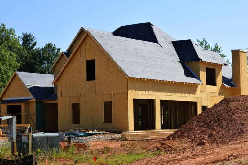 house roofing contractor