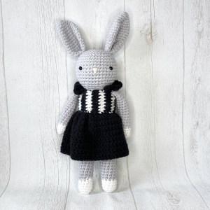 Amy Design Crochet Adora le lapin patron au crochet