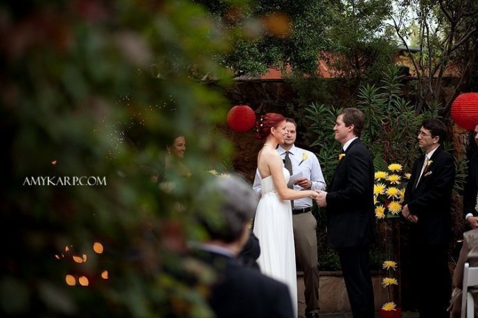beautiful dallas wedding photography at the Maple Manor Hotel by amy karp