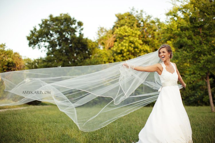 dallas wedding photographer with meredith at white rock lake bath house cultural center (17)