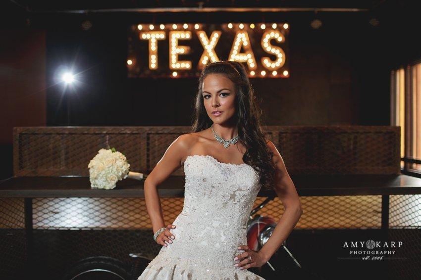 dallas-wedding-photographer-bridal-portraits-gas-monkey-bar-grill-012