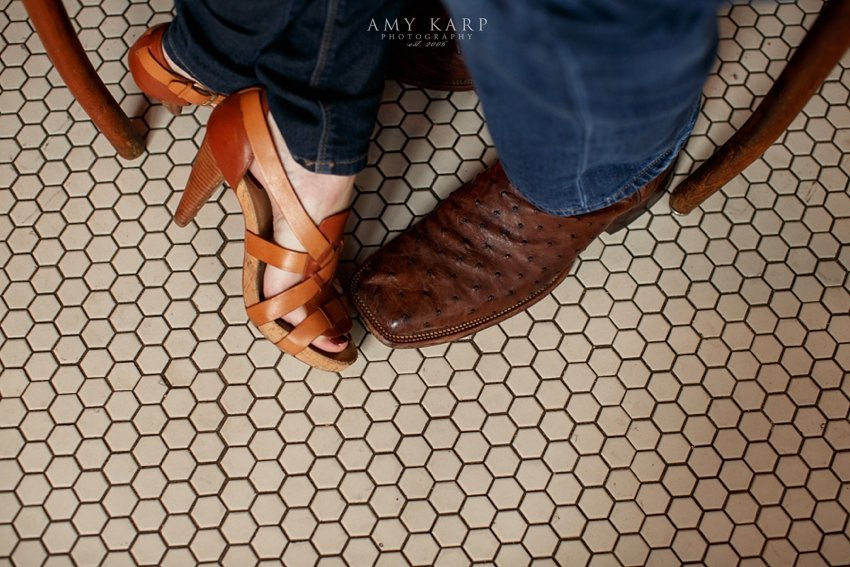 dallas-wedding-photographer-oyster-bar-engagement-session-09