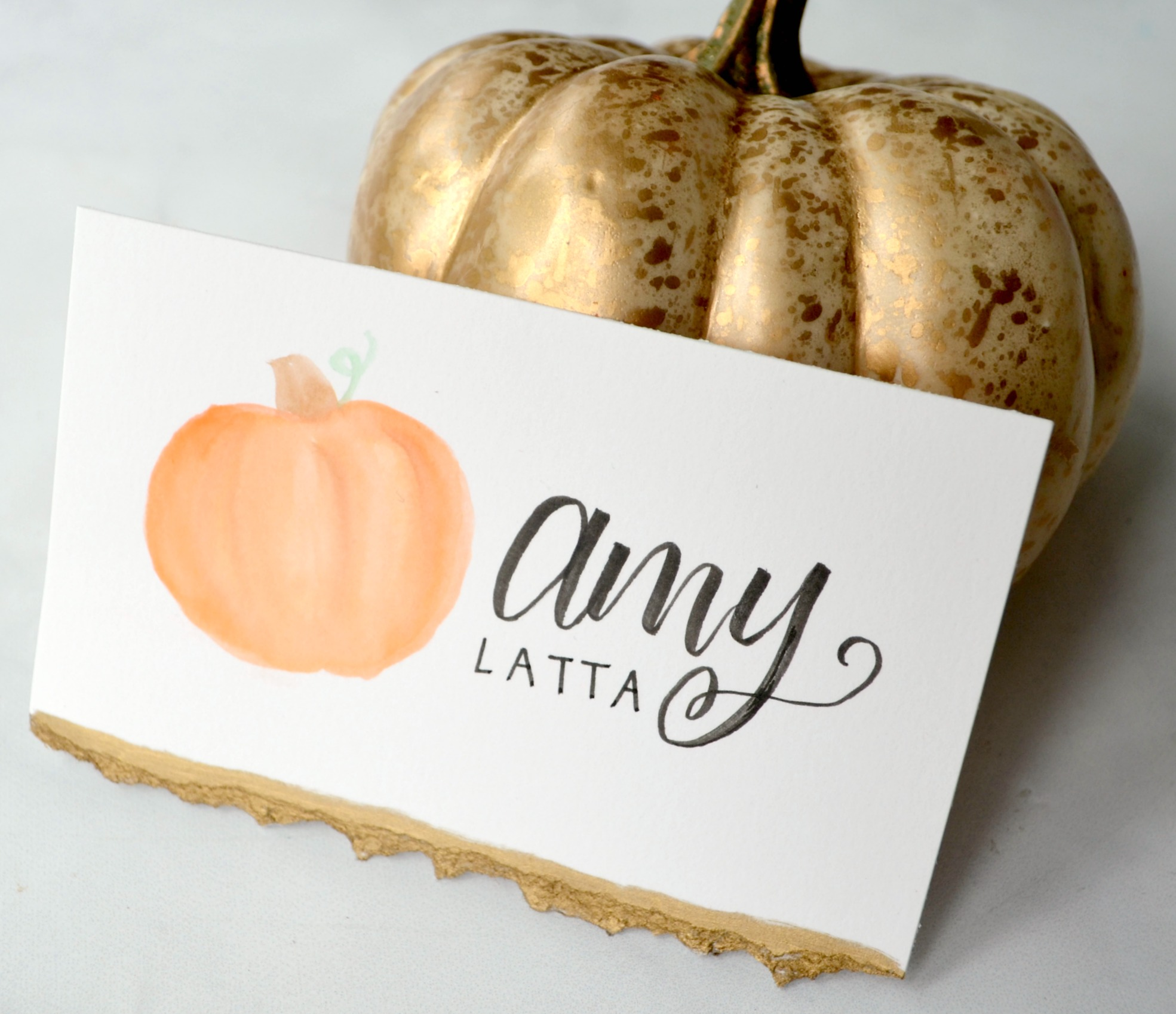 DIY Hand Lettered Pumpkin Placecards