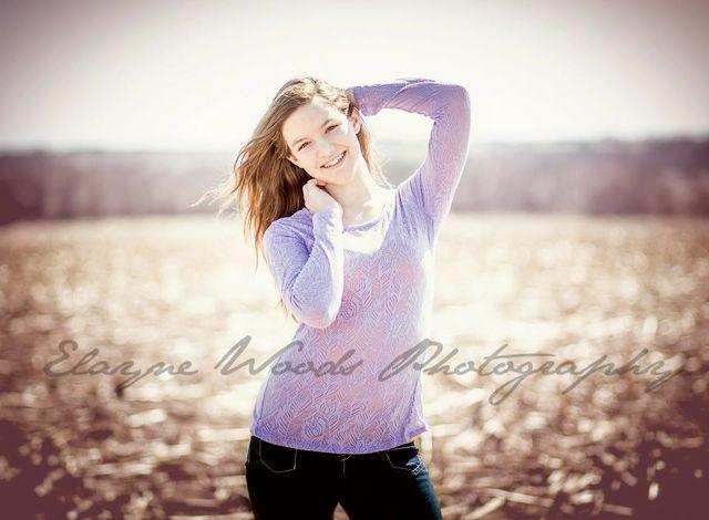 Senior photo Elayne Woods photography