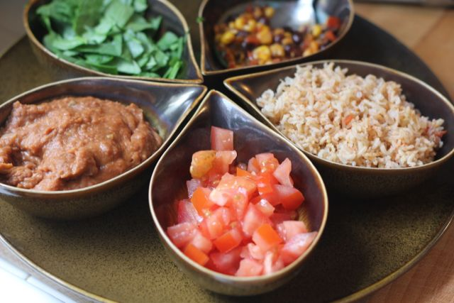 Ingredients for cashew dip