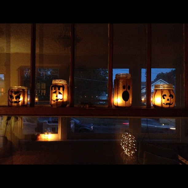 mason jar pumpkin faces