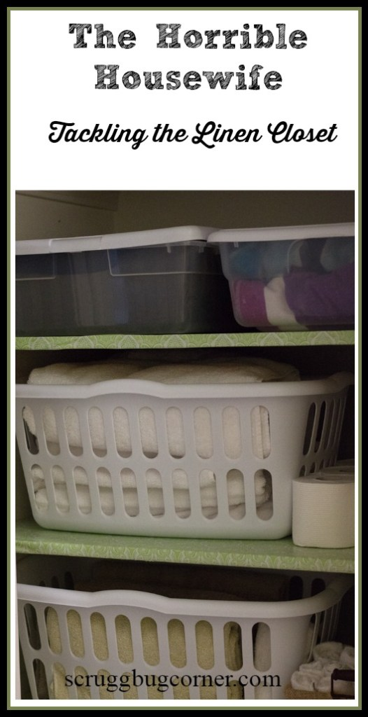The-Horrible-Housewife-organizes-the-linen-closet