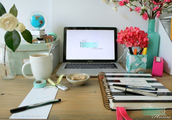 organizing-office-desk-sharpie-2