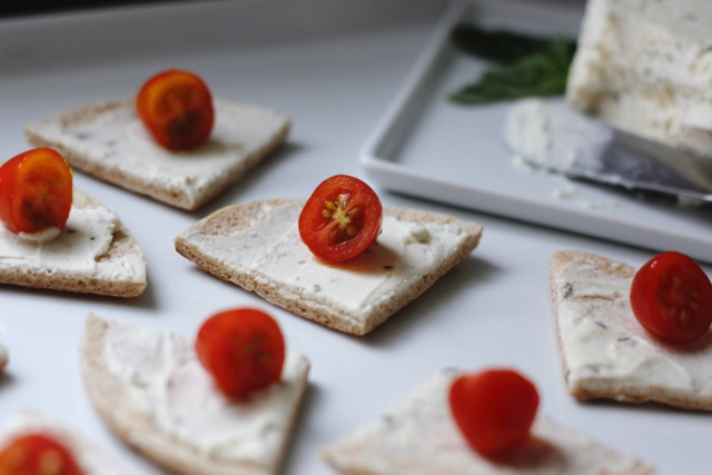 Herbed Cheese & Tomato Sandwich Thin Round Appetizer Recipe