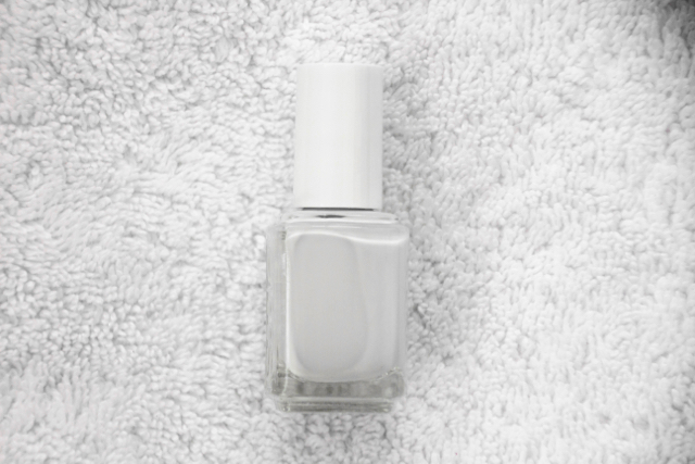 Diy-pedicure-white-polish