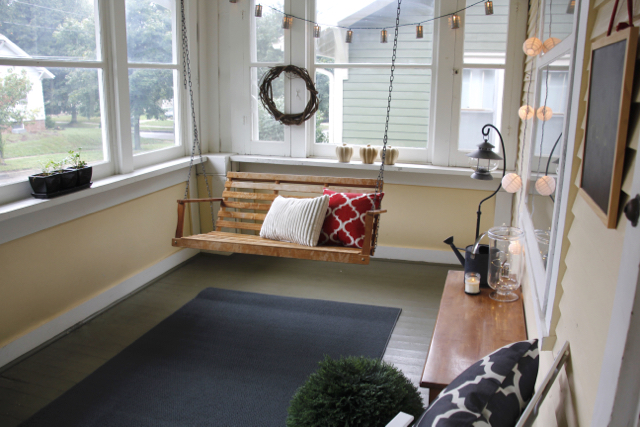 Tips For Redecorating and Simplifying A Small Sunroom