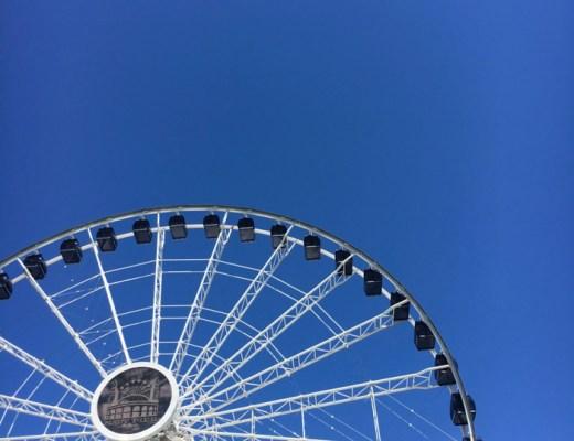 ferris wheel at Chicago Navy Pier