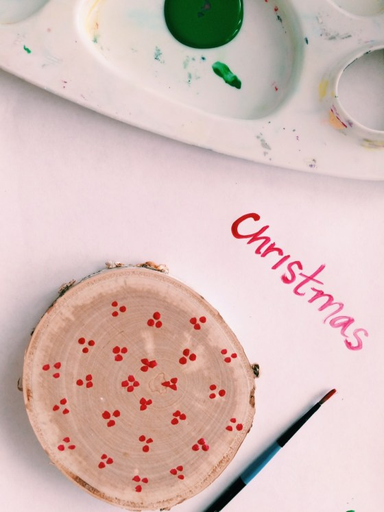 DIY Christmas Coasters, A simple and fun activity for families and it makes a great gift!