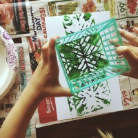 berry basket painting for kids, a great Summer project for art with your little ones at home. Click through for tips on this project.