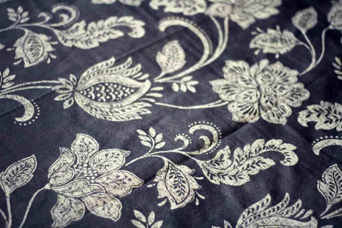 jacquard jacobean trail pattern on beautiful Julian Charles bedding