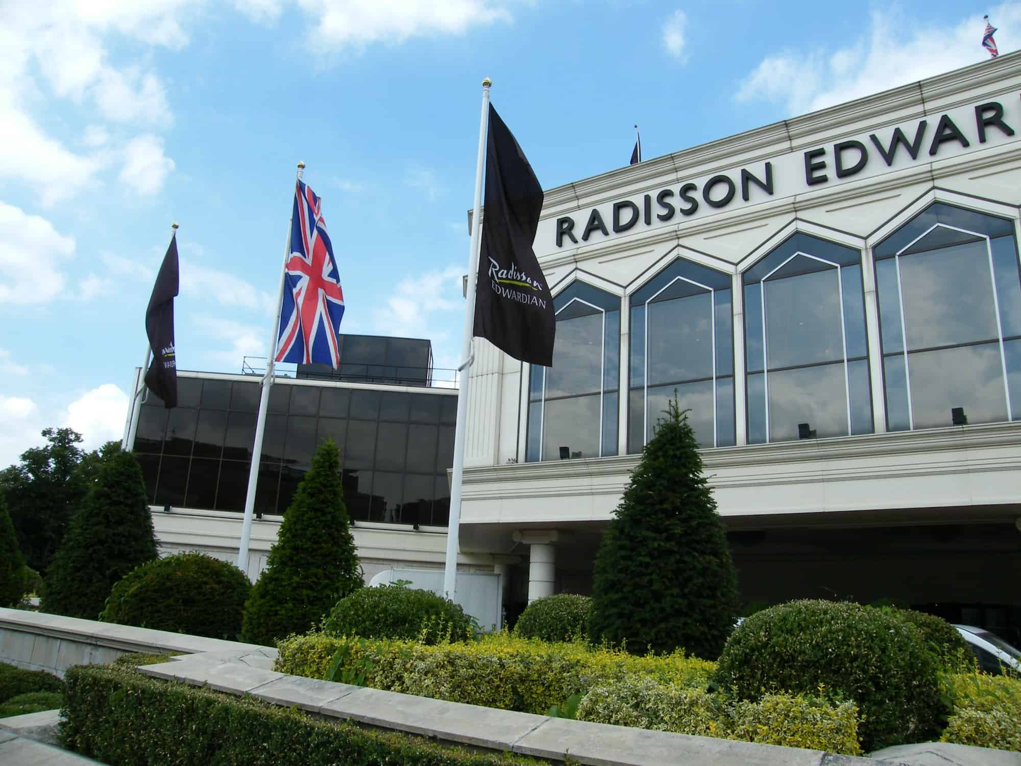 Radisson_Edwardian_Hotel_Heathrow1