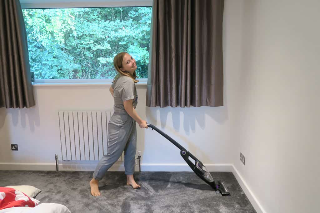 Tidying up with the BISSELL 2-IN-1 Cordless vacuum