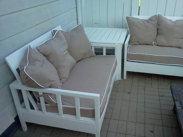 Ana White Simple White Outdoor Sofa And Loveseat Diy