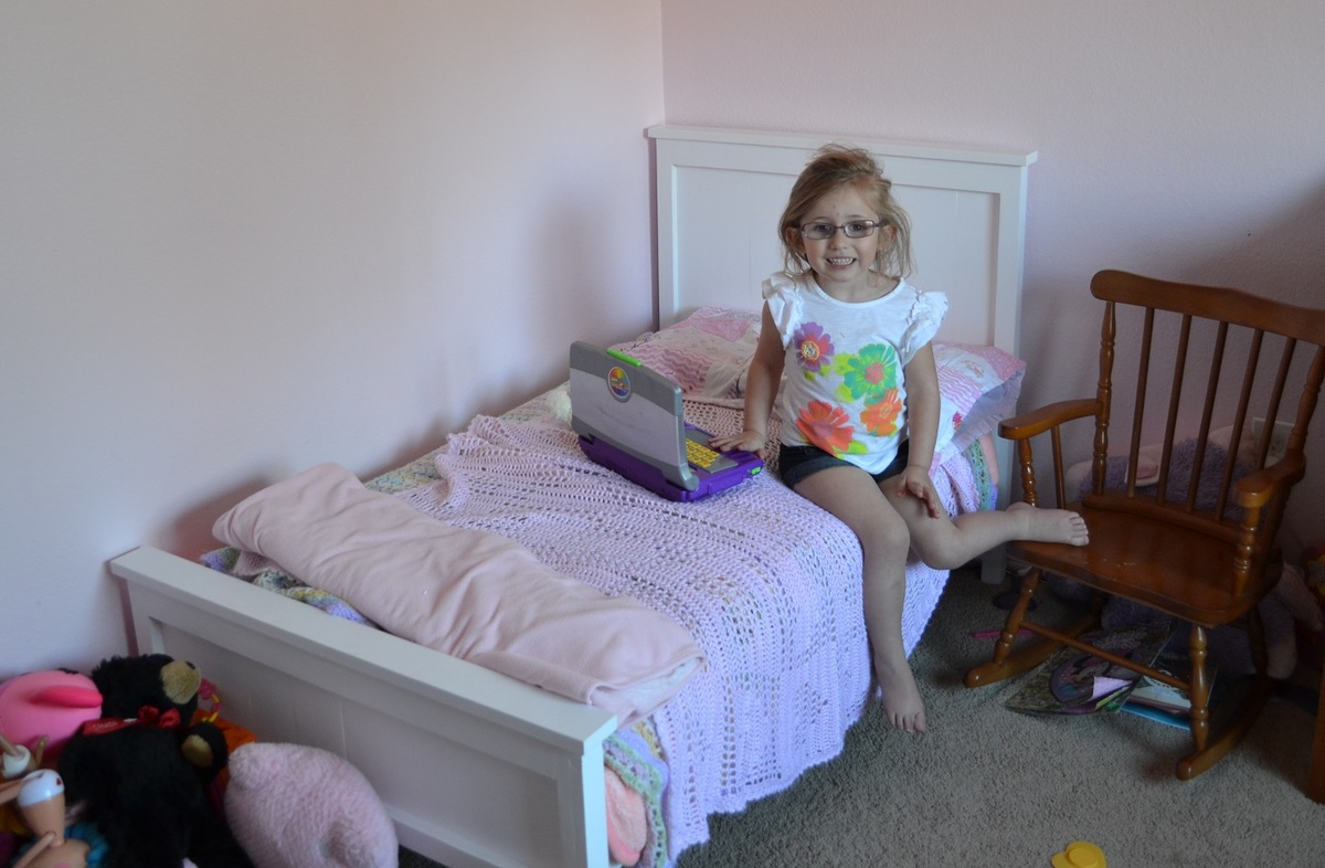 Ana White Sissys Toddler Farmhouse Bed DIY Projects