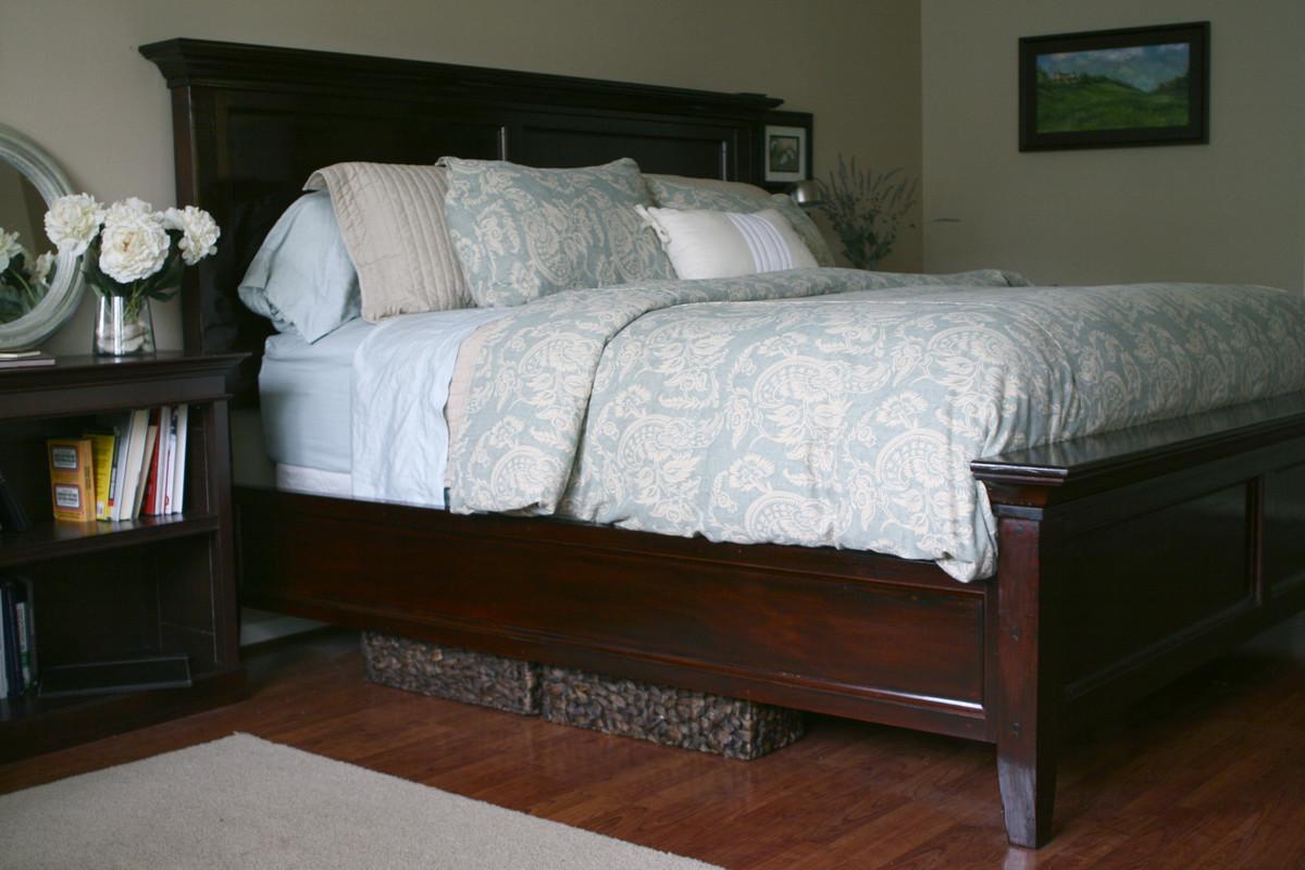 Ana White Modified Farmhouse Bed