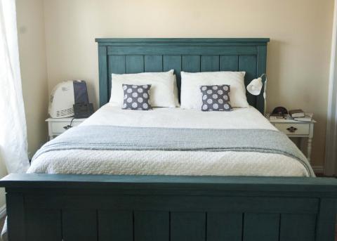 farmhouse bed california king size