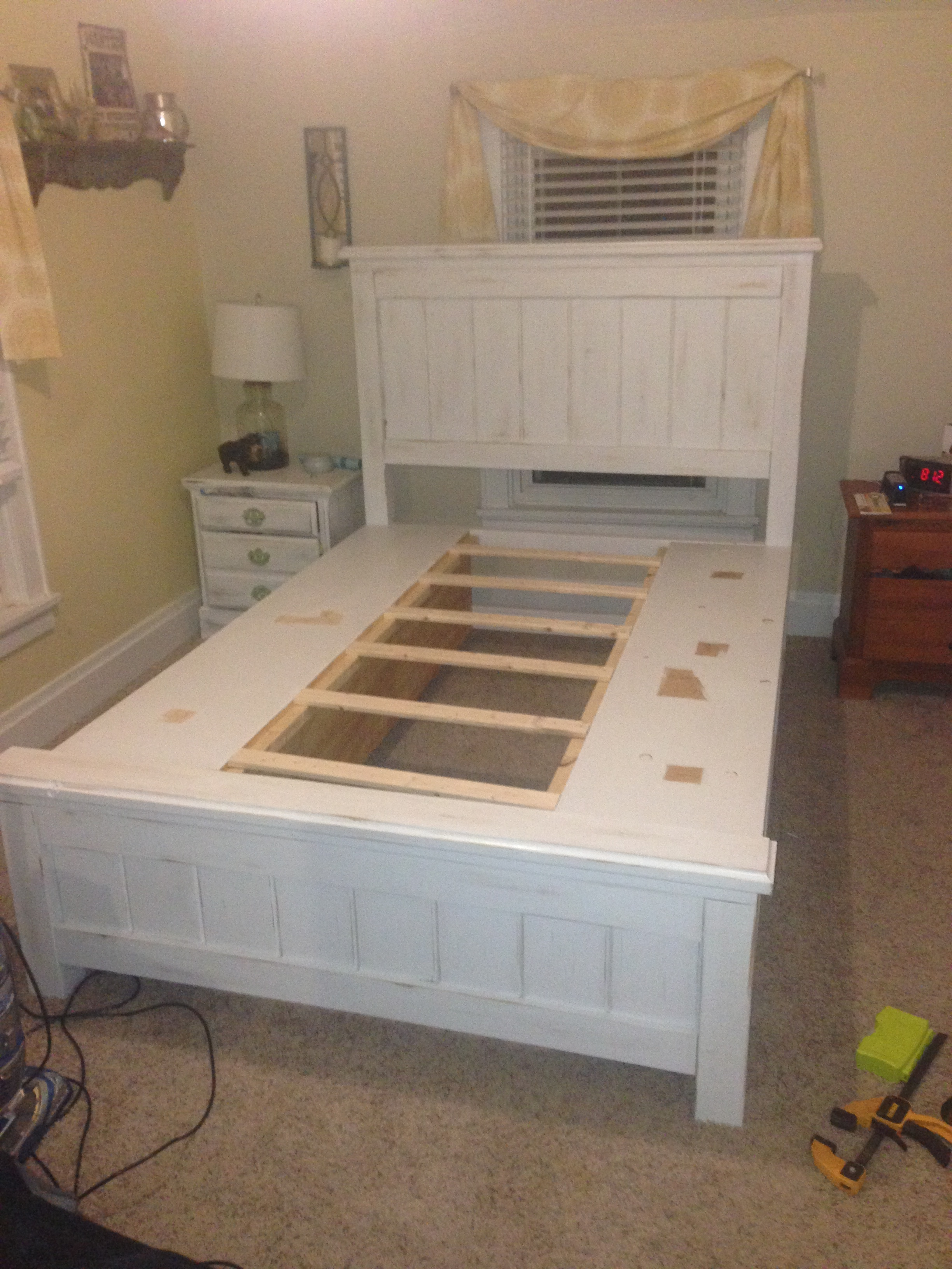 Ana White Queen Size Farmhouse Bed With Storage Diy