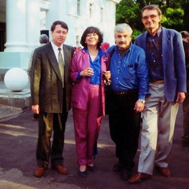 mpreuna cu Aleksandr Tkacenko, secretar general al PEN Clubului Rus, la al 67-lea Congres (Moscova, 2000)