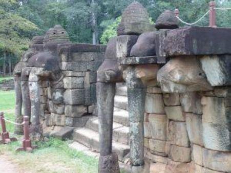 Esculturas elefantes