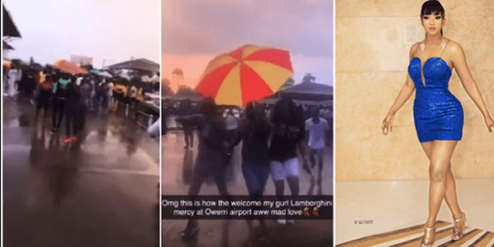 Moment Mercy's Fans Welcomed Her Under The Rain In Owerri, Imo State (Video)