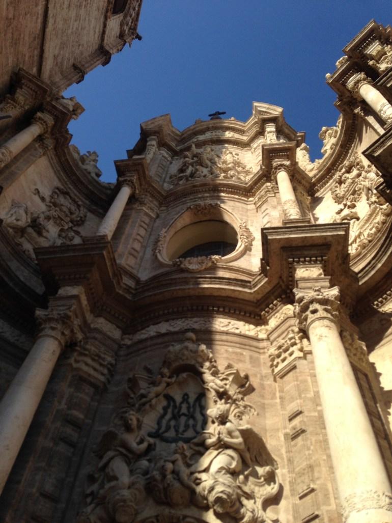 Do vrha katedrale vodi 207 visokih stepenica