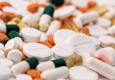 في فترة الحمل، احترسي من تناول الأدوية!