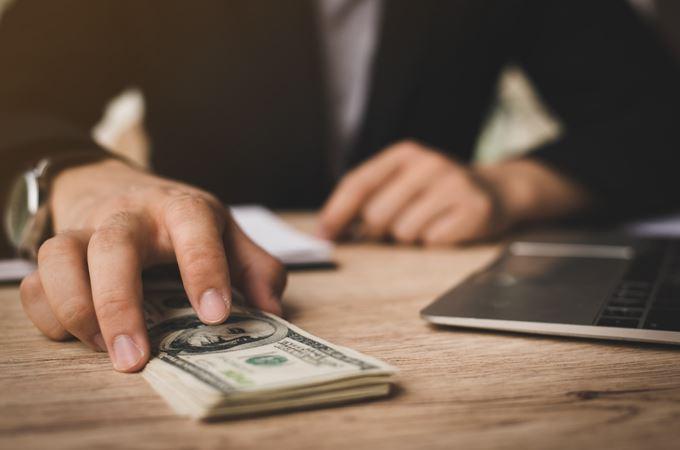 Pertimbangan Saat Ajukan Pinjaman Dana Tunai