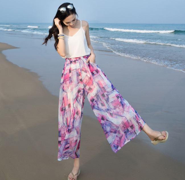 Rekomendasi Baju untuk ke Pantai agar Terlihat Kece Celana Kulot