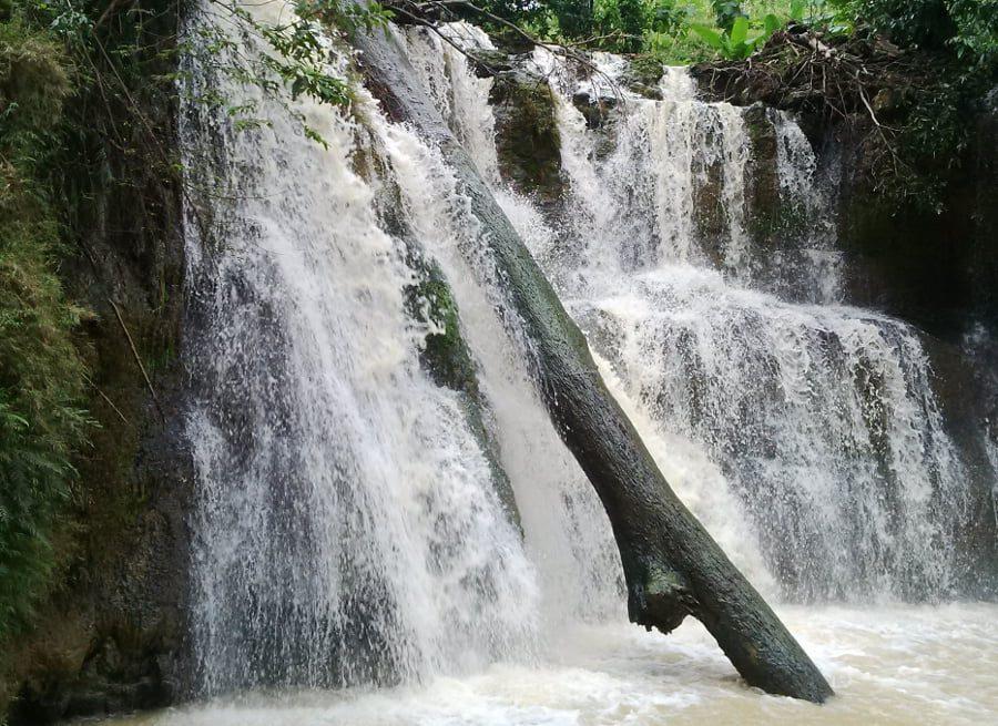 Air Terjun Lembah Bongok, Tuban. (Sumber: detik)