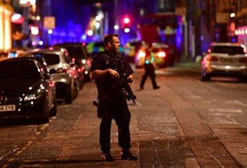 170603181340-05-london-bridge-incident-0603-super-169