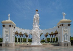 Monumento a la Virgen de Chiquinquirá en Maracaibo