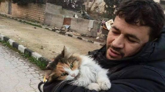 Fundador del refugio para gatos y niños