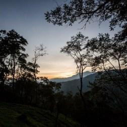 Fotografía del 10 de noviembre de 2016 donde se observa el amanecer desde El Portachuelo en Merida (Venezuela). Foto EFE